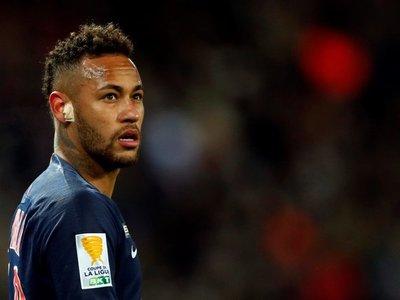 """Neymar declara en caso por violación y agradece apoyo de """"todos"""""""