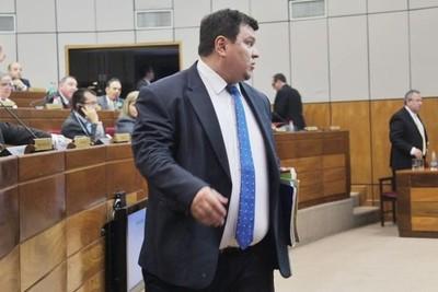 Otro senador que pierde su banca por corrupción