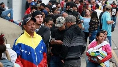 """Perú exigirá una """"visa humanitaria"""" a los venezolanos que quieran ingresar al país"""
