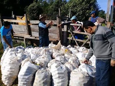 GOBERNACIÓN DE ITAPÚA APOYA A PRODUCTORES DE NARANJA DE GRAL. DELGADO