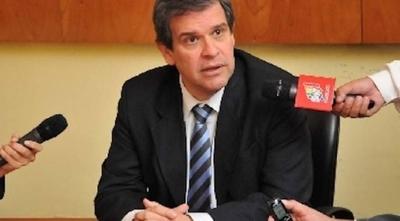 """HOY / Reforma fiscal """"viene de contramano"""", según exministro"""