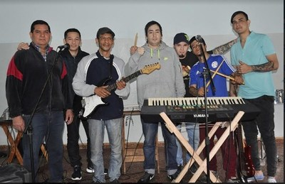 Internos de Tacumbú formaron grupo musical