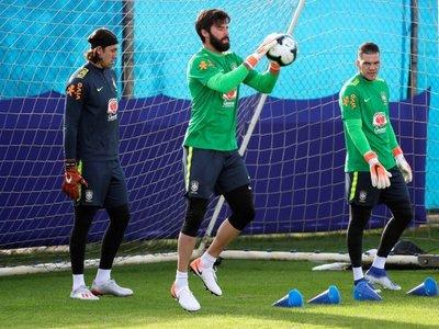 Alisson y Firmino entrenan por primera vez con Brasil de cara a Copa América