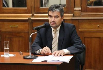 "Diputado Edgar Acosta: ""Corporativismo es normal"""