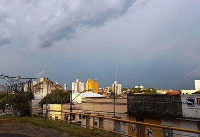Domingo con lluvias dispersas anuncia Meteorología