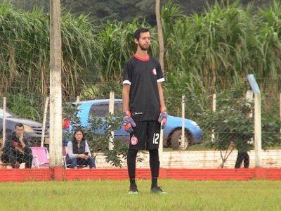 El arquerosordo-mudo que hace hablar al mundo del fútbol en Itapúa