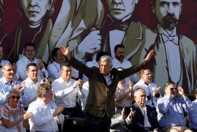 """Obrador tiende la mano a Trump pero avisa que """"los compromisos se cumplen"""""""
