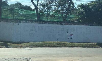 Borran pinturas que pedían cárcel para el clan ZI