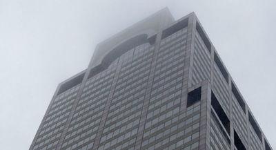 Un helicóptero se estrella contra un rascacielos en Nueva York
