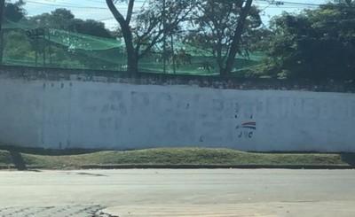 Hurreros borran pintatas contra Clan ZI