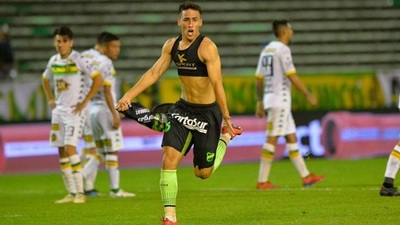 Matías Rojas firma contrato con Racing de Avellaneda