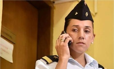 HOY / La teniente que amamantó en cuartel y fue castigada, ahora es indultada por Abdo