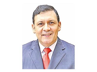 Bogado crea equipo en Asunción