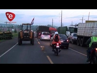 PRODUCTORES RETOMAN PROTESTA EN RUTA VI
