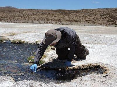 Hallan sustancias dañinas  en el agua potable de Chile