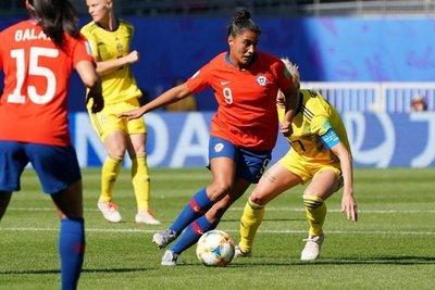 Chilenos confían más en su selección femenina