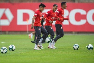 Perú queda listo con llegada de Ballón