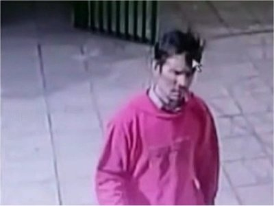Policía indaga sobre identidad de un hombre que quiso ver a una alumna