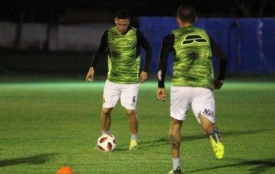 Mendoza firmaría con Cerro