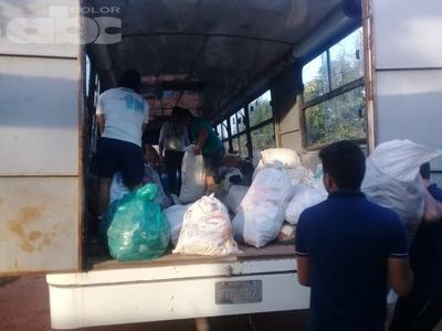Caazapeños envían ayuda humanitaria a Ñeembucú