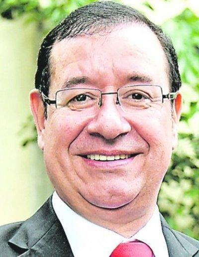 Cuevas inventó insólitos cargos con altos salarios para repartir a aliados