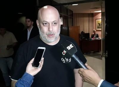 Payo denuncia a ministro por robar 3 millones de dólares