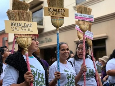 Trabajadoras domésticas, tienen esperanzas de lograr el salario mínimo