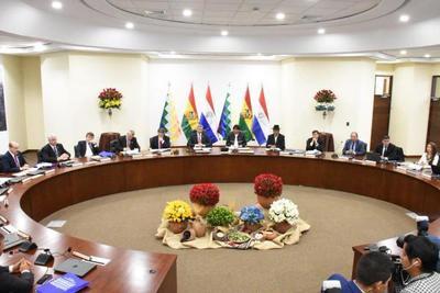 Primera Reunión del Gabinete Ministerial Binacional logra 15 acuerdos con el Estado y 6 con el sector privado