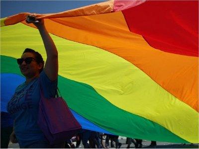 Corte de Ecuador abre la puerta a legalizar el matrimonio homosexual