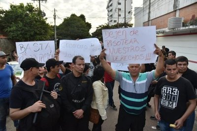 Tuma asegura que guardias despedidos serán indemnizados · Radio Monumental 1080 AM