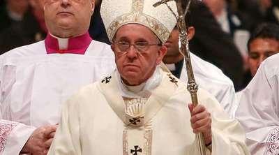 """Papa modifica el """"Padre Nuestro"""""""