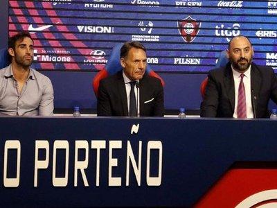 """Russo aterriza en Cerro Porteño bajo el lema de """"nada es imposible"""""""