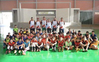 Habilitan escuela municipal de fútbol de campo y salón