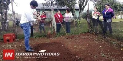ITAPÚA POTY: ASISTEN A PEQUEÑOS PRODUCTORES DEL MUNICIPIO.