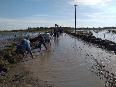 Se unen para salir del aislamiento en Tacuaras