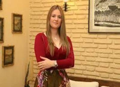Cristina Goralewski, titular del Infona, niega estar en cinta y admite que desean su puesto