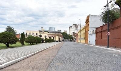 Buscan revalorizar adoquinados en circuitos históricos de la capital