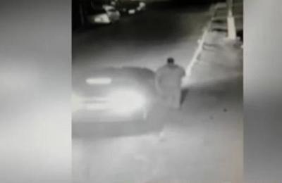 Delincuentes roban un vehículo en San Isidro de Lambaré