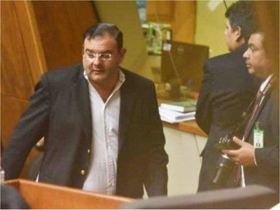 El diputado Rivas de nuevo chicanea su proceso judicial