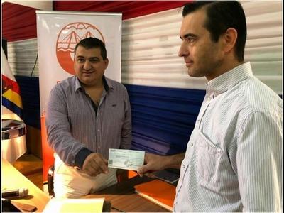 ENCARNACIÓN: MUNICIPIO ENTREGA APORTE ECONÓMICO AL CLUB NACIONAL