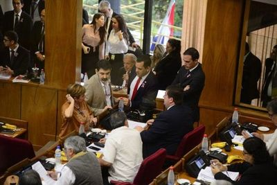 Presidente del Congreso convoca a sesión extraordinaria para tratar reforma impositiva del Ejecutivo