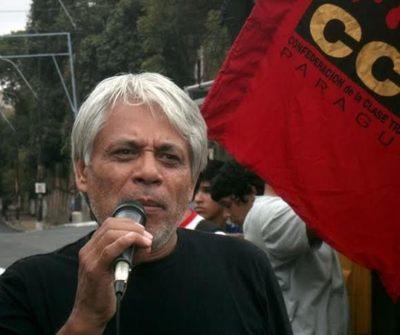 Cumple a media su labor, según López