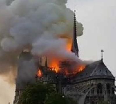 Notre Dame recibe apenas 9 % de las donaciones que le prometieron