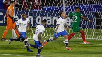 Brasil derrota a una débil Bolivia