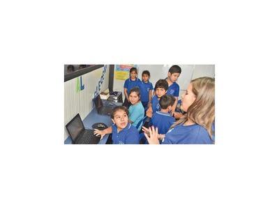 Telefónica  conecta escuelas a  internet con sus telecentros