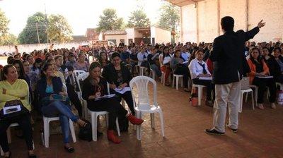 Maestros en conferencias de prevención de bullying, abuso y suicidio
