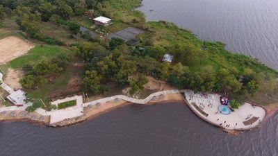 Areguá inauguró su costanera