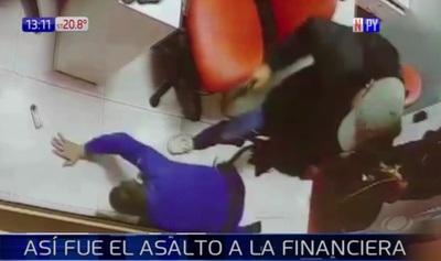 Así fue el asalto en financiera del Mercado 4