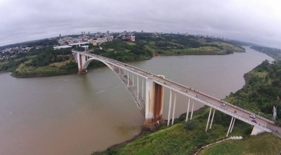 HOY / Mano de obra paraguaya en segundo puente con el Brasil