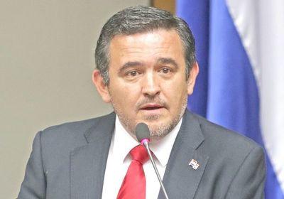 Hermanos de jefes consiguen meteóricos ascensos en el MEC